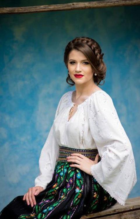 Bianca Crenganis – Solisti Muzica Populara